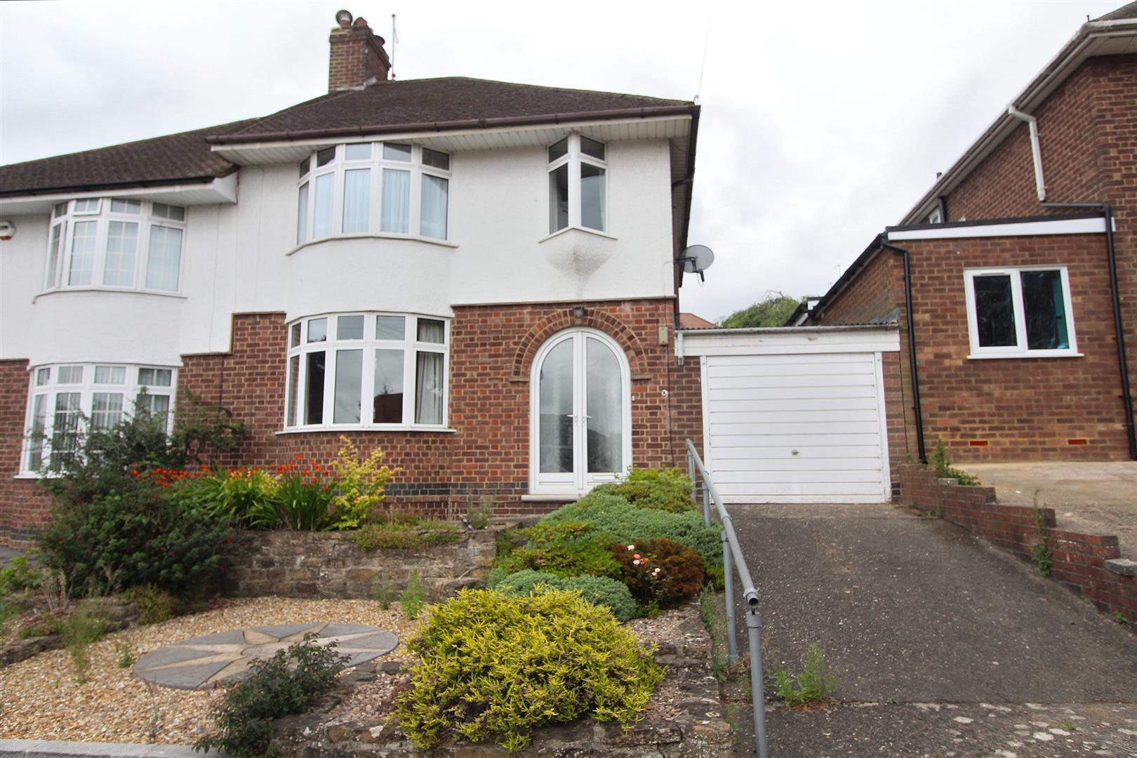 3 Bedrooms Property for sale in Delamere Road, Northampton